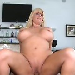 Hunter tag teams a MILF with big tits with his buddy...